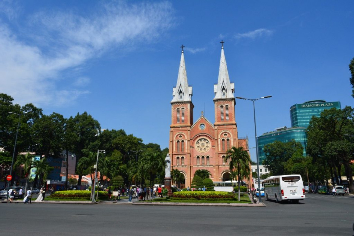 cathedral-hcmc